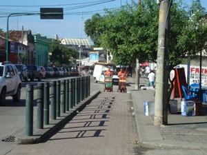 Ciclovia de Santa Cruz não é contínua. (Foto: Mariucha Machado/G1)