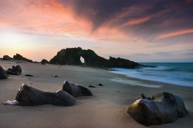 A Pedra Furada, uma das atrações do destino (Foto: Reprodução/essenza.com)