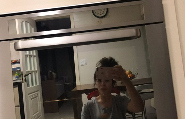 Maisa Silva posa em frente ao espelho (Foto: Reprodução/Twitter)
