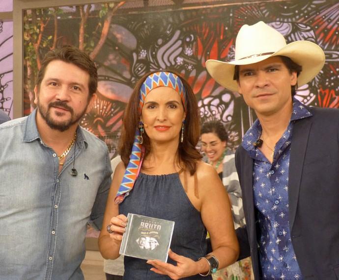 A dupla Jads & Jadson com a apresentadora  (Foto: Vinícius Cunha/Gshow)
