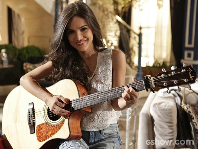 Manu Gavassi viveu a cantora Paulinha na novela Em Família em 2014 (Foto: Globo/Fábio Rocha)