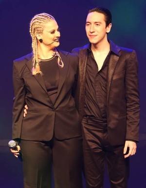 Alice Caymmi e Diogo Strausz no palco (Foto: Divulgação)