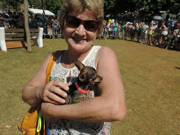 Nina conquistou o posto de menor cão do Estimacão Tatuí (Foto: Caio Silveira/G1)