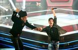 'The Voice Kids': Reveja Carlinhos Brown e candidatos levantando a plateia com grito de Ajayô