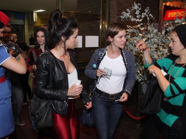 Nanda Costa, Paula Burlamaqui e Lan Lan em show no Rio (Foto: Foto Rio News)