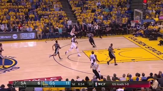 Curry e LeBron sobem de produção e lideram os invictos Warriors e Cavaliers