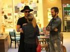 Paulo Gustavo encontra Tatá Werneck em shopping no Rio