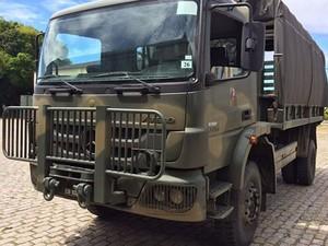 Caminhão do Exército de Fortaleza clonado  (Foto: RBS TV/Reprodução)