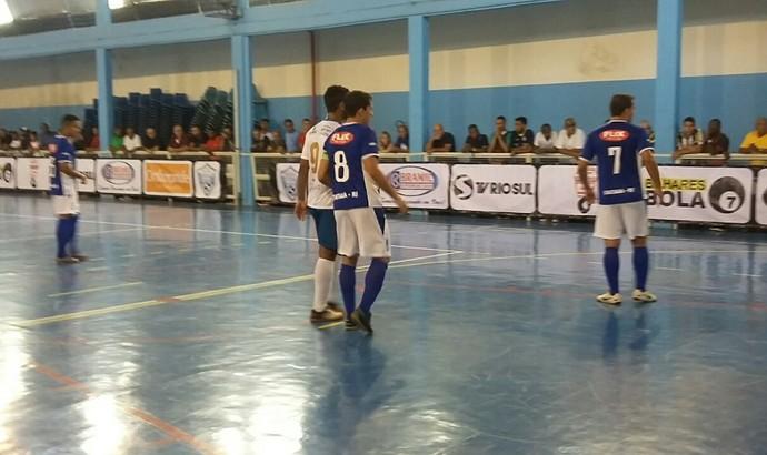 Três Rios e Itatiaia fizeram jogo equilibrado na estreia (Foto: Divulgação)