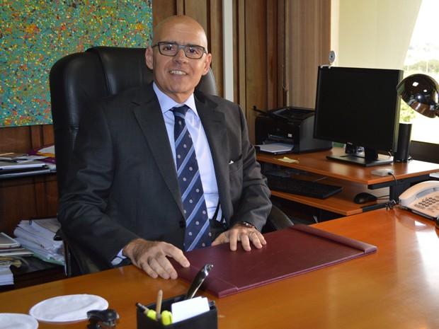 O embaixador da Itália no Brasil, Raffaele Trombeta, em seu gabinete, em Brasília (Foto: Fabiano Costa / G1)