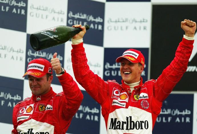 Michael Schumacher foi o primeiro vencedor do GP do Bahrein, em 2004, com Rubinho em segundo (Foto: Getty Images)