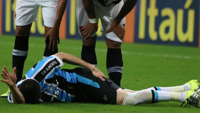 Marcelo Oliveira sente dores na coxa contra o Vasco (Foto: Diego Guichard)
