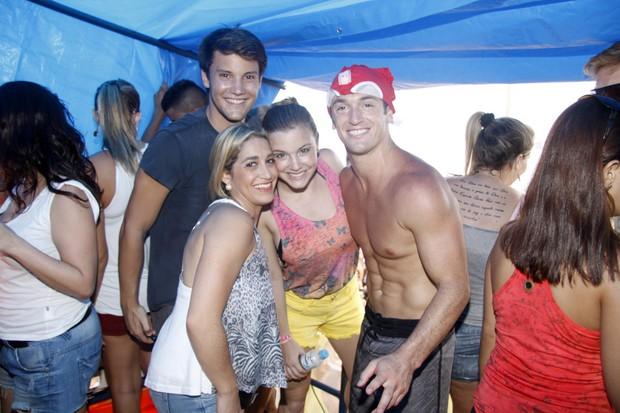 Alice Wegmann, Daniele e Diego Hypólito (Foto: Felipe Assumpção/ Ag.News)