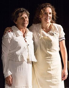 Denise Weinberg e Sandra Corveloni em 'Dançando em Lúnassa' (Foto: João Caldas)