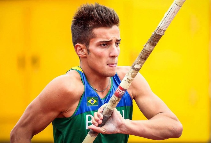 Bruno Spinelli foi destaque no salto com vara (Foto: Semepp / Divulgação)