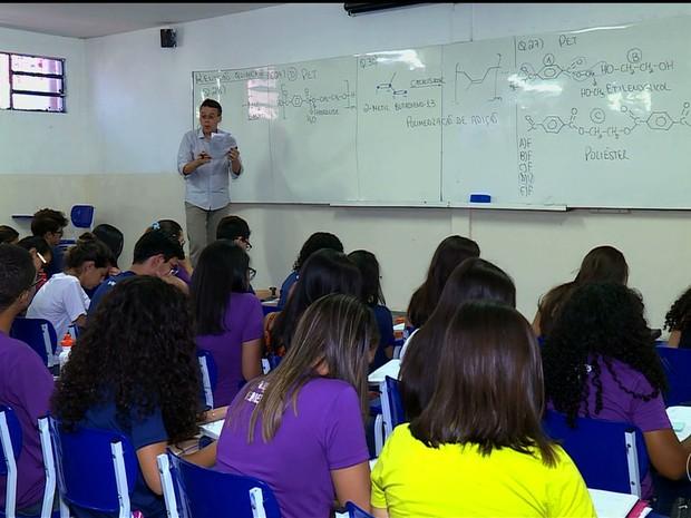Preparação de alunos para o Enem em Petrolina, PE (Foto: Reprodução/ TV Grande Rio)