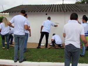 Mutirão reuniu cerca de 200 pessoas no sábado (7) (Foto: Divulgação/ FuturaGene)