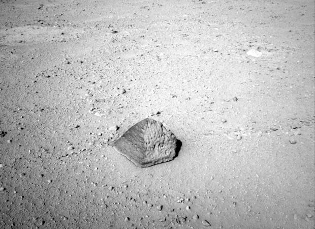 curiosity encontra pedra em Marte (Foto: NASA/JPL-Caltech/AP)