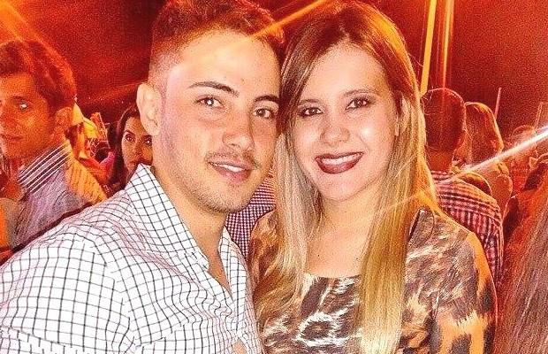 Camila com o namorado, Victor, morto pelo padrasto em Goiatuba, Goiás (Foto: Reprodução/Facebook)