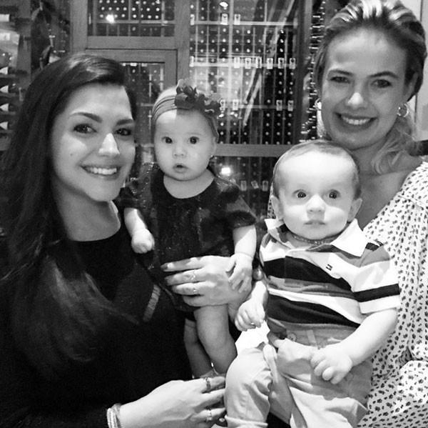 Thais Fersoza e Thaís Pacholek com os filhos Melinda e Luis Miguel, respectivamente (Foto: Reprodução)