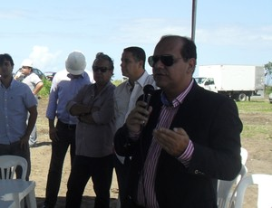Fernando Paiva fala na solenidade de início das obras do Ninho do Galo (Foto: Denison Roma / Globoesporte.com)