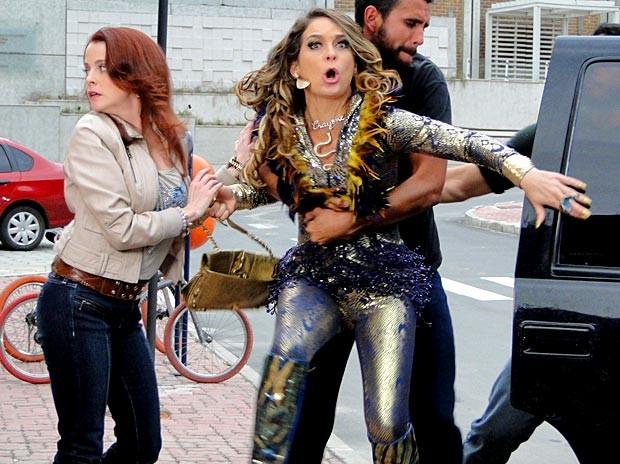 Chayene faz um escândalo, mas acaba indo junto com Rosário (Foto: Cheias de Charme / TV Globo)