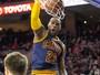 LeBron iguala maior pontuação na temporada, e Cavaliers derrotam 76ers