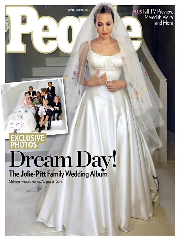 Capa da People com Angelina Jolie's (Foto: Revista People / Reprodução)