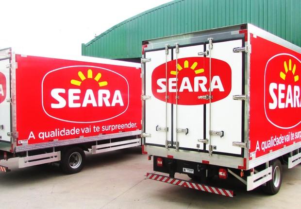 Caminhões transportam produtos da Seara (Foto: Reprodução/Facebook)
