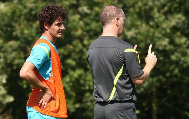 Alexandre Pato com Mano Menezes no treino da Seleção (Foto: Mowa Press)