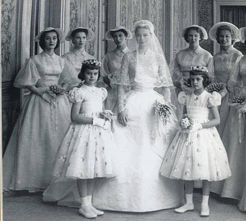A princesa com suas daminhas e madrinhas (Foto: Reprodução)