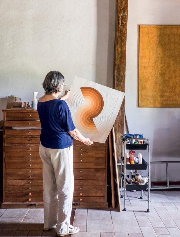 casa-quadro-movel-madeira-atelie (Foto: Lufe Gomes/Life by Lufe)
