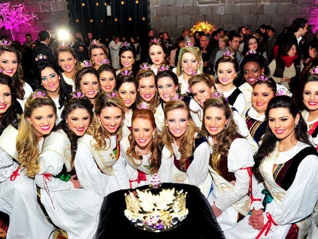 Coroa da rainha Festa da Uva é apresentada (Foto: Luiz Chaves/Divulgação)