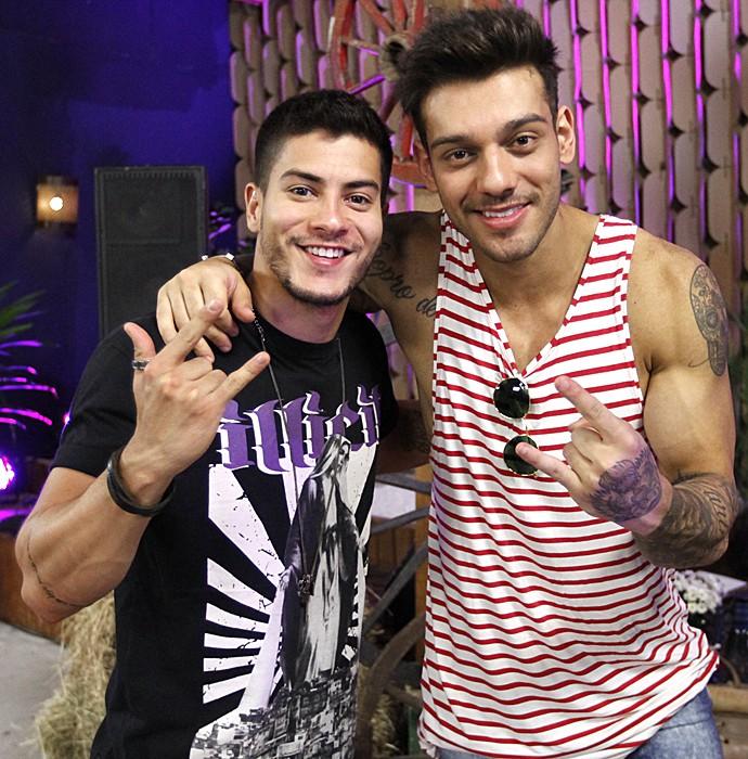 Arthur Aguiar e Lucas Lucco trocam dicas sobre 'Dança'e 'Malhação' (Foto: Fabiano Battaglin/Gshow)