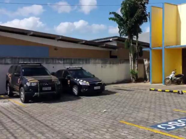 PF cumpriu mandado de busca e apreensão no gabinete do vereador Paulo Miranda (PHS) (Foto: Reprodução/ Inter TV Cabugi)