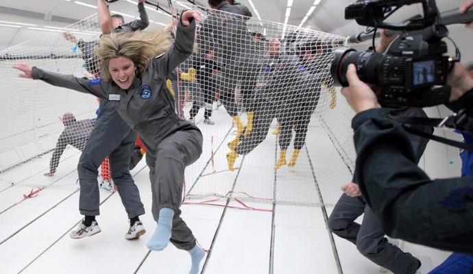 Karina Oliani experimenta voo gravidade zero (Foto: Rafael Honório)