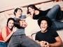 Elenco de 'Jovem Estudante Procura' fala sobre a peça e seus personagens