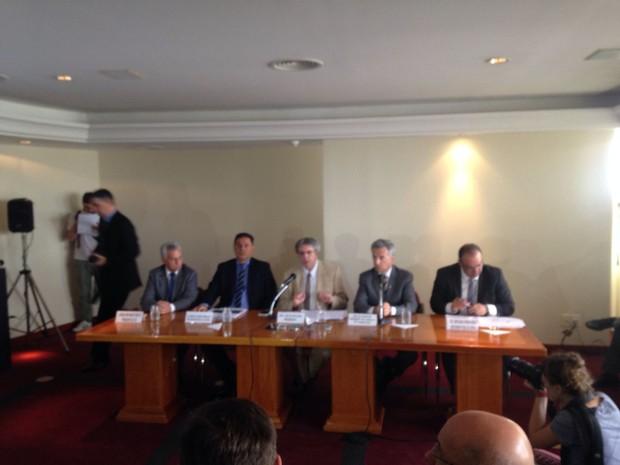 Participaram da reunião o presidente do TJ, Luiz Felipe Silveira Difini, e os dirigentes da Assembleia Legislativa, do MP, do TCE e da Defensoria Pública (Foto: Nathália Fruet/ RBS TV)