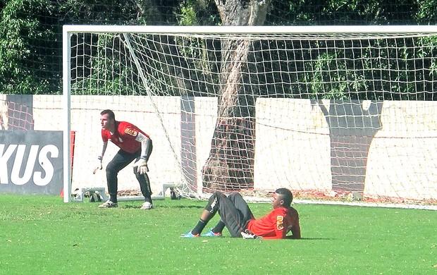 Paulo Victor e Felipe no treino do Flamengo (Foto: Alexandre Vidal / Fla Imagem)