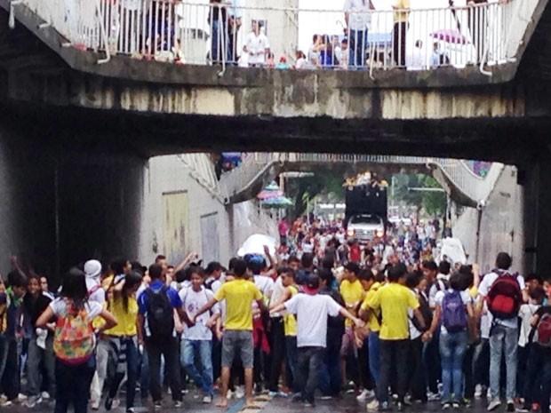Estudantes caminharam pela revogação do aumento da passagem pelo Centro de João Pessoa (Foto: Walter Paparazzo/G1)