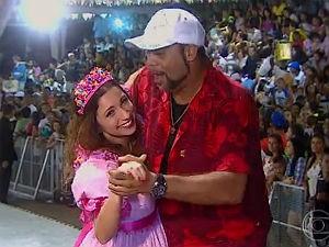 Tatá Lopes cai no forró com o radialista alagoano Geléia (Foto: Reprodução/ Rede Globo)