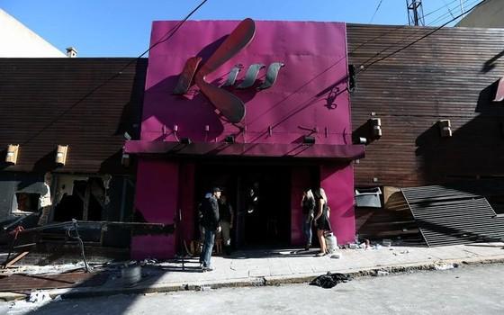 Fachada da boate Kiss, destruída pelo incêndio que matou mais de 200 pessoas (Foto: Marcelo Sayão/EFE)