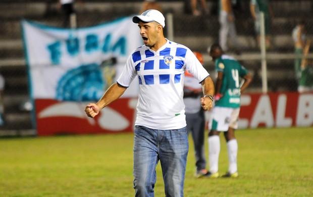 Eduardo Allax, técnico do Duque de Caxias (Foto: Sandro Vox/Futrio)