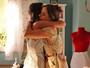 Mari comemora ao saber que usará vestido de noiva de Eva