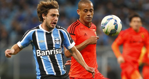segurou (Lucas Uebel/Grêmio FBPA)