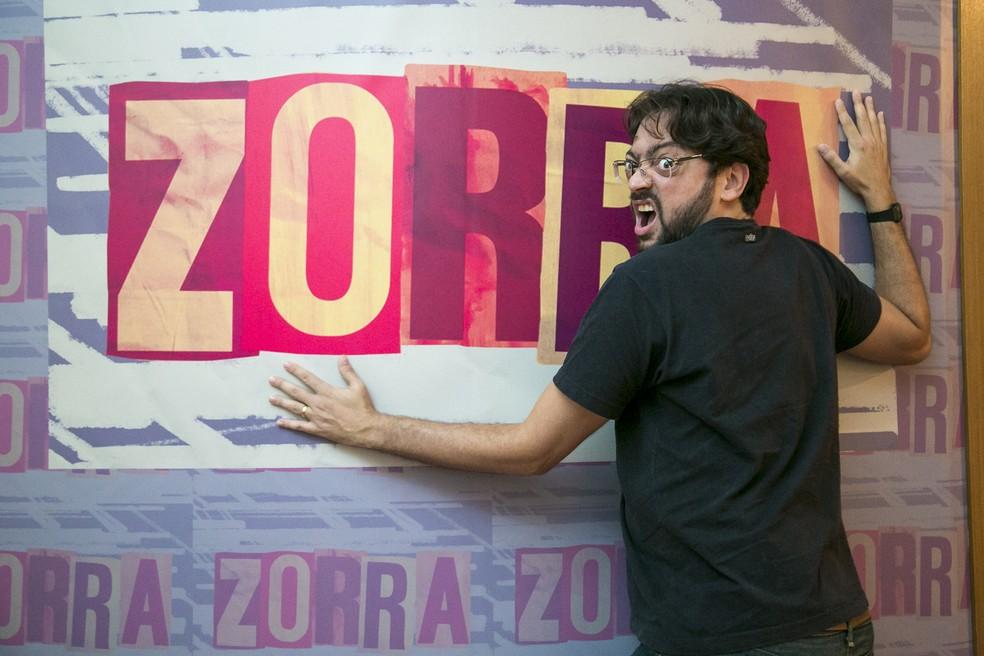 Caruso se divertiu na coletiva de 'Zorra' (Foto: Isabella Pinheiro / Gshow)