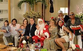 Francisco Cuoco se veste de Papai Noel. Veja passo a passo da transformação