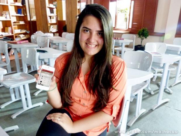 Para manter o primeiro lugar, Júlia não perde um dia de game (Foto: TV Globo / Malhação)