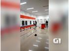 Homem é preso em caixa eletrônico ao tentar furtar dinheiro; veja vídeo