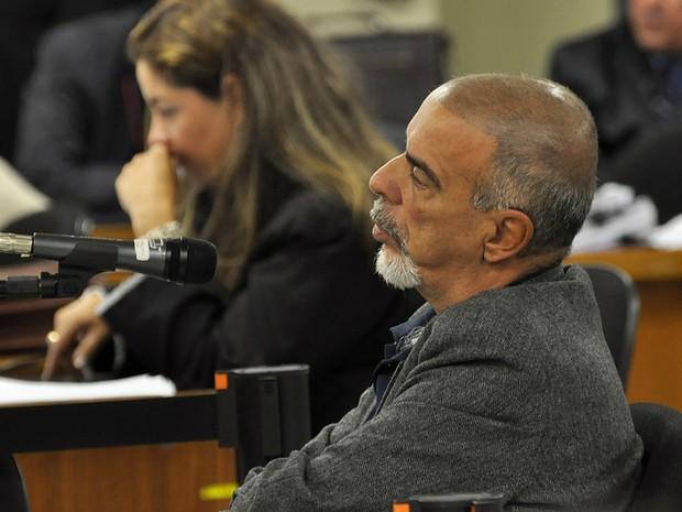 Jornalista José Clevis depõe como testemunha de defesa no 3º dia de julgamento de Marcos Aparecido dos Santos, o Bola (Foto: Renata Caldeira / TJMG)